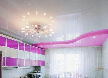 Двухуровневый потолок в кухне 17,5 м²