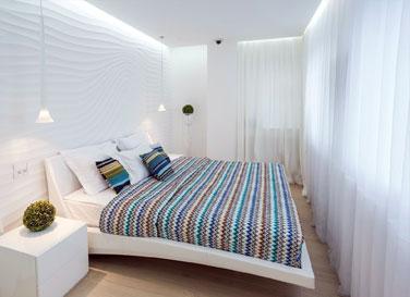 Натяжной потолок Pongs в спальне