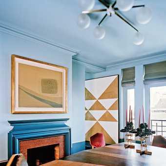 Голубой матовый потолок