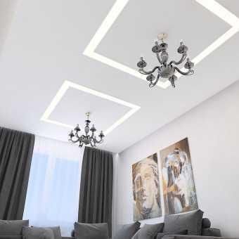 Тканевый потолок с двумя световыми квадратами в гостиной