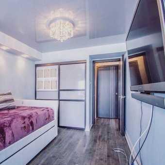 Глянцевый Черные ниши в потолке из MSD Premium в спальне