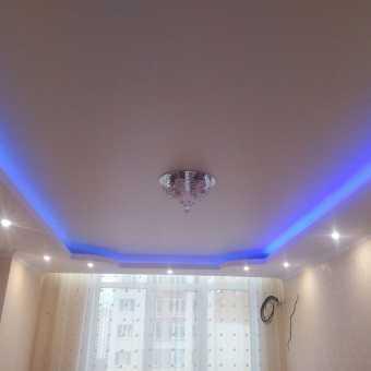 Многоуровневый натяжной потолок с подсветкой New Line