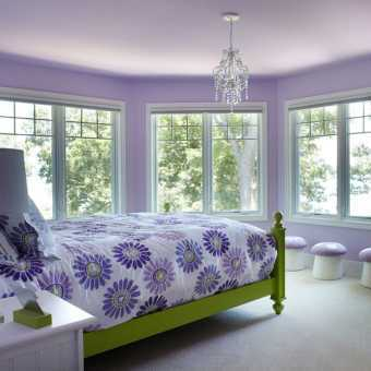 Фиолетовый матовый потолок