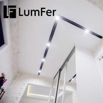 Ниша Lumfer в натяжном потолке в коридоре