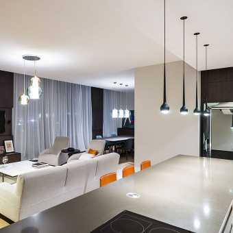 Тканевый потолок Clipso со светильниками в гостиной